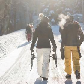 Day to night: 3 Wege, wie du dein Ski Outfit in ein Après Ski Outfit verwandelst