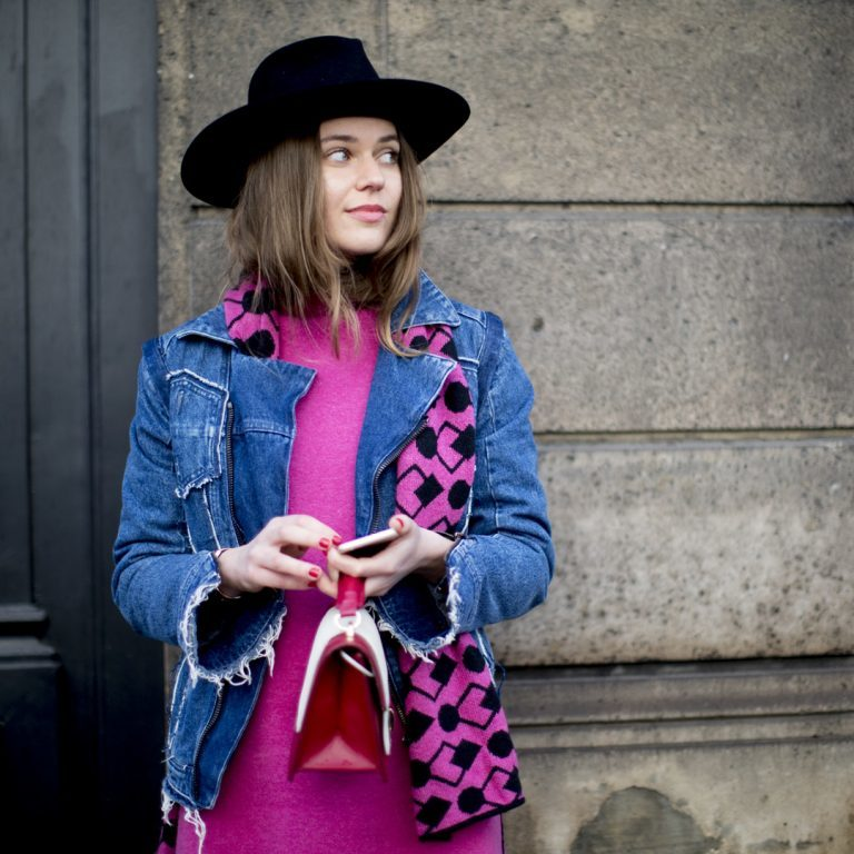 Fashion Trend Of The Month – Pullover in Pink