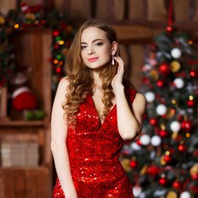Festliche Kleider für Weihnachten – Diese Modelle dürfen nicht fehlen