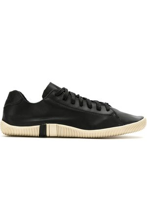 OSKLEN Klassische Sneakers