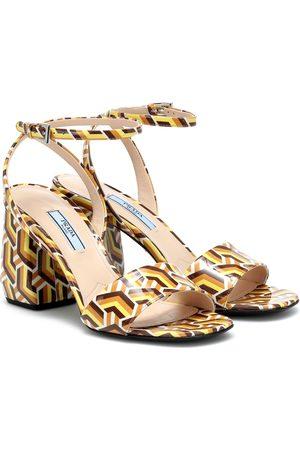 Prada Bedruckte Sandalen aus Leder