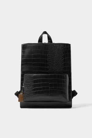 Zara Schwarzer rucksack mit reptilienhautprägung