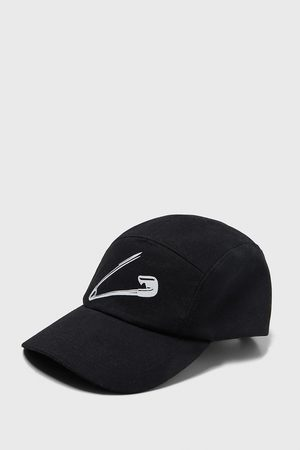 Zara Safety pin print cap