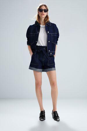 Zara Jeansshorts mit gürtel