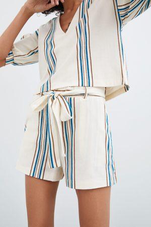 Zara Gestreifte shorts aus festem stoff