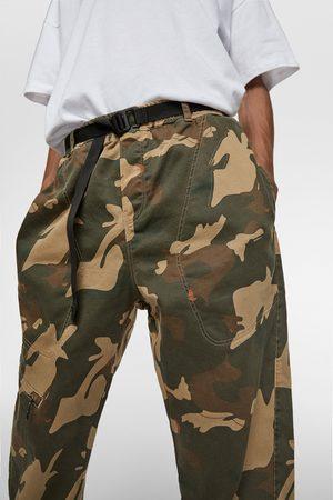 Zara Weiche jogginghose aus camouflage-denim