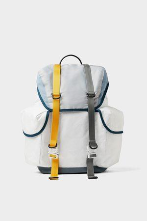 Zara Weisser rucksack mit vielen taschen