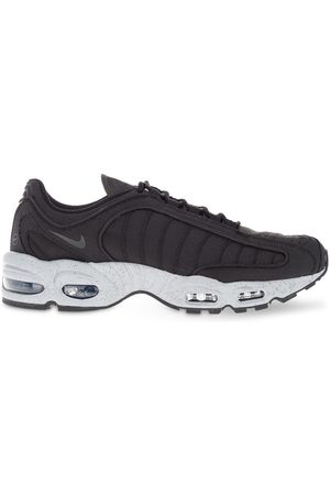 Nike Air Max Tailwind 4' Sneakers