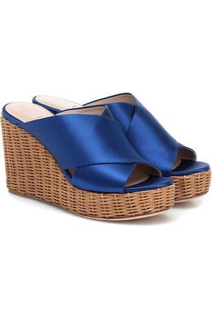 Miu Miu Wedge-Sandalen aus Satin