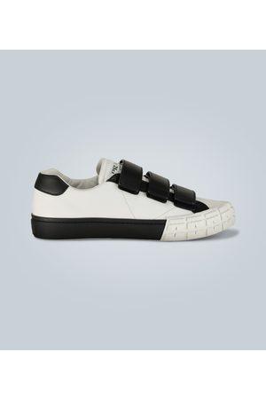 Prada Klassische Sneakers aus Leder