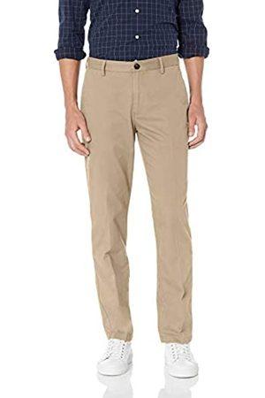 Amazon Amazon Essentials Herren-Chino-Hose mit gerader Passform, knitterfrei, flache Vorderseite, Braun (Khaki)