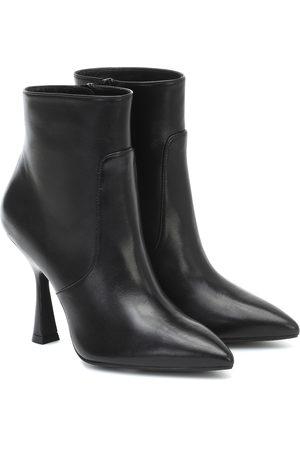 Stuart Weitzman Ankle Boots Melena aus Leder