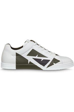 "Fendi Sneakers mit ""Bag Bugs""-Design"