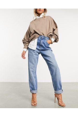 ASOS Slouchy – Hoch geschnittene, lockere Mom-Jeans in mittlerer Waschung