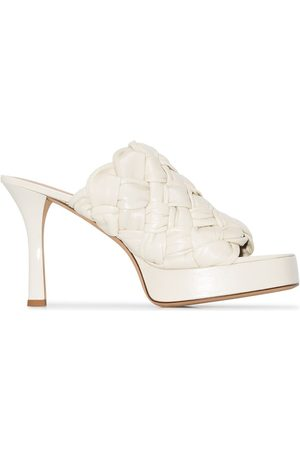 Bottega Veneta White bv board 105 woven leather mules - Nude