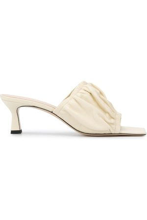 Wandler Gathered leather sandals - Nude