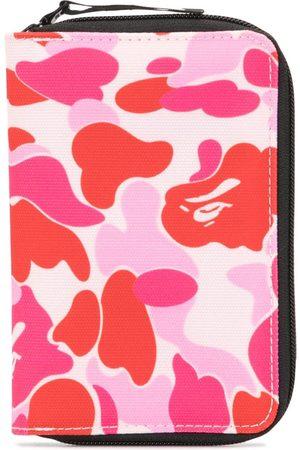 A Bathing Ape Reisetasche mit Camouflage-Print