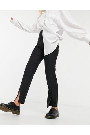ASOS Schwarze Hose mit schmalem Bein und Schlitz vorn
