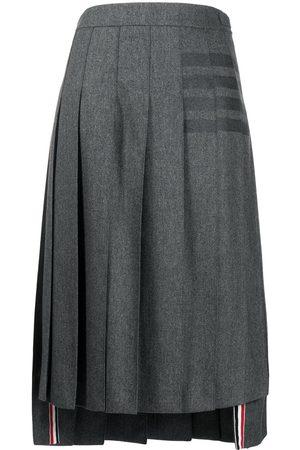 Thom Browne Damen Bedruckte Röcke - 4-Bar print midi skirt
