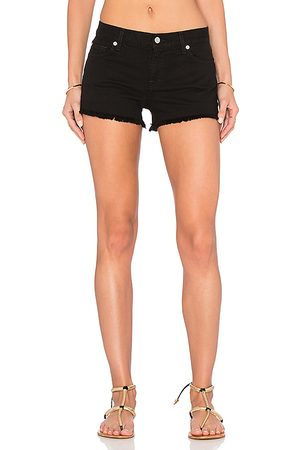 7 for all Mankind Shorts mit ausgefranstem Saum in . Size 25, 26, 27, 28, 29.