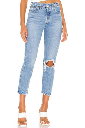 Levi's Wedgie Straight in . Size 24, 25, 26, 27, 28, 29, 32.