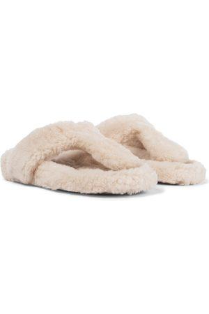 Aquazzura Sandalen Relax aus Shearling