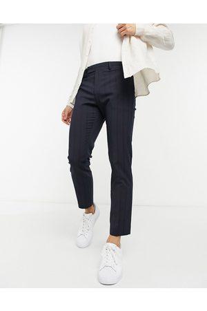 ASOS – Schmal geschnittene, knöchellange elegante Hose mit Nadelstreifen in Marineblau