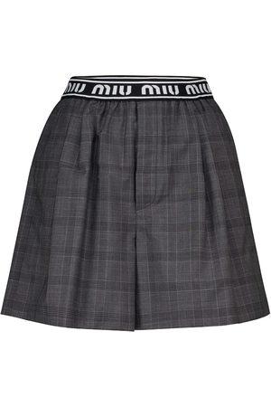 Miu Miu Karierte Shorts aus Wolle