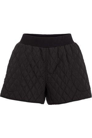 Norma Kamali Gesteppte High-Rise Shorts