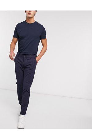 Only & Sons Elegante Stretch-Hose mit Nadelstreifen in Marine-Navy