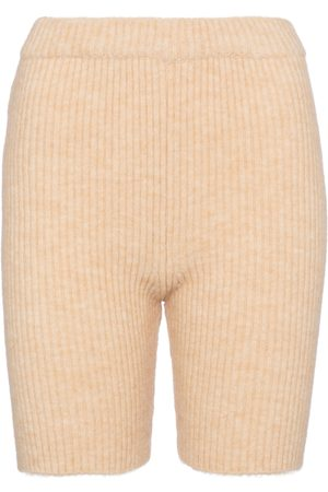 Nanushka Exklusiv bei Mytheresa – Shorts Siu aus Rippstrick