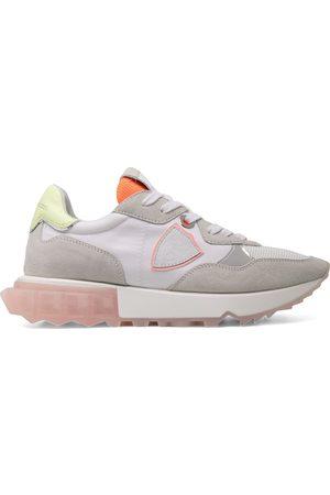 adidas Klassische Flatform-Sneakers - Nude