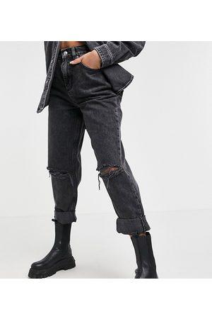 adidas ASOS DESIGN Petite – Legere Mom-Jeans in verwaschenem mit hoher Taille und Zierrissen