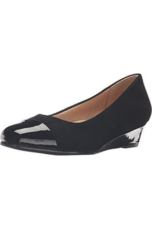 FrenchTrotters Women's Langley Dress Pump, Black Suede