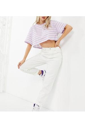 ASOS ASOS DESIGN Petite – Original – Mom-Jeans in gebrochenem