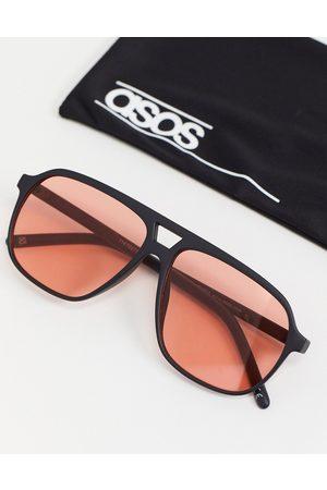 ASOS – Schwarze Pilotenbrille im Stil der 70er mit rot getönten Gläsern