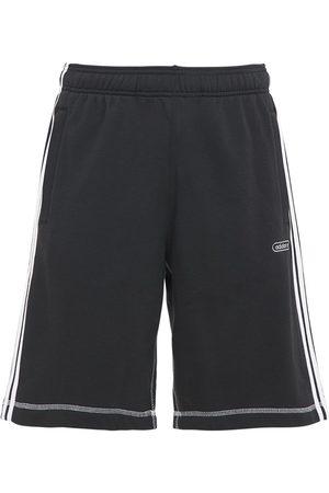 adidas Shorts Aus Baumwollmischfleece In Kontrastfarbe