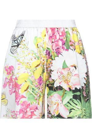 Moschino Damen Shorts - HOSEN - Bermudashorts - on YOOX.com