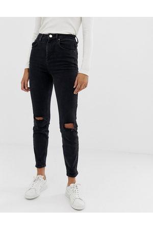 ASOS – Farleigh – Schmal geschnittene Mom-Jeans mit hohem Bund und Knierissen in verwaschenem