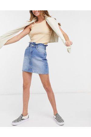 Miss Selfridge – Mini-Jeansrock mit hohem Bund in mittelblauer Waschung