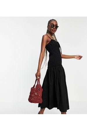 ASOS ASOS DESIGN Tall – Midi-Sommerkleid mit Trägern und geraffter Brust- und Taillenpartie aus Baumwoll-Popeline in