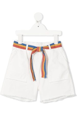 Zhoe & Tobiah Knielange Shorts mit Gürtel