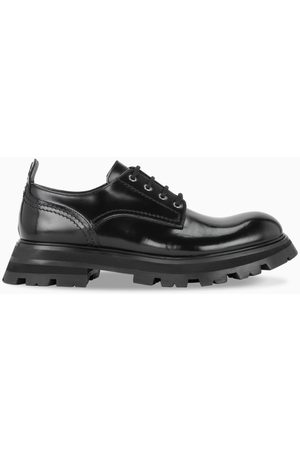 Alexander McQueen Black patent leather lace-up shoes
