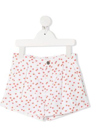 KNOT Shorts mit Kirschtomaten-Print