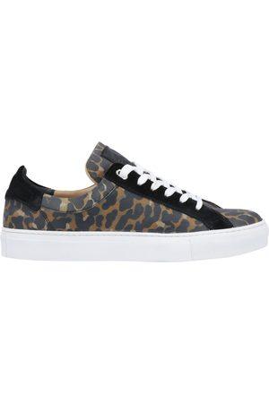 Belstaff Damen Sneakers - SCHUHE - Low Sneakers & Tennisschuhe - on YOOX.com