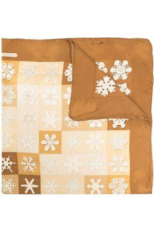 Hermès Schals - Pre-owned snowflake print silk scarf - Nude