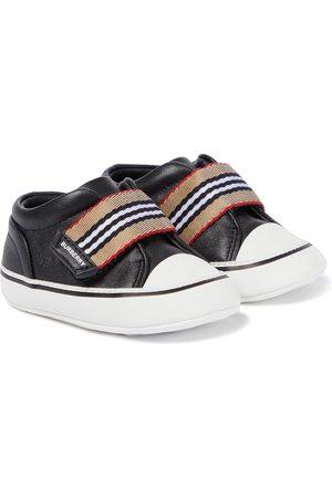 Burberry Baby Sneakers - Sneakers Icon Stripe aus Leder