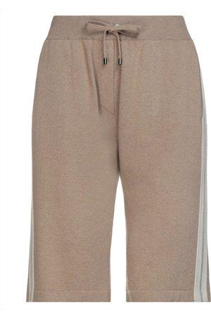 BRUNELLO CUCINELLI Damen Shorts - HOSEN - Bermudashorts - on YOOX.com