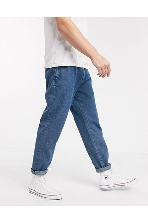ASOS – Hellblaue Jeans mit doppeltem Faltendesign