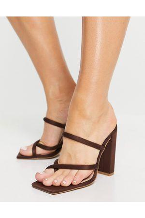 SIMMI Shoes Simmi London – Heera – Sandalen mit Blockabsatz in
